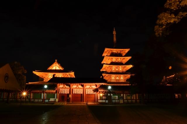 夜の四天王寺